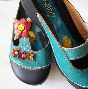 Via Veneto Leather Aqua & Flower Shoes Size 9